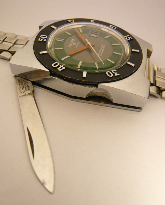 1970 Sicura Safari Knife Watch