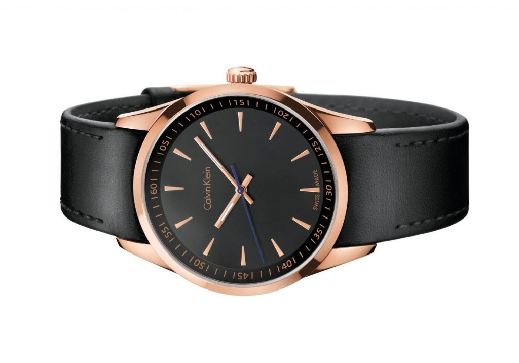 Calvin Klein apresenta relógios bold