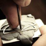 Processo de produção das jóias da Eleuterio