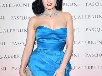 Dita Von Teese no lançamento das jóias Pasquale Bruni's Secret Garden
