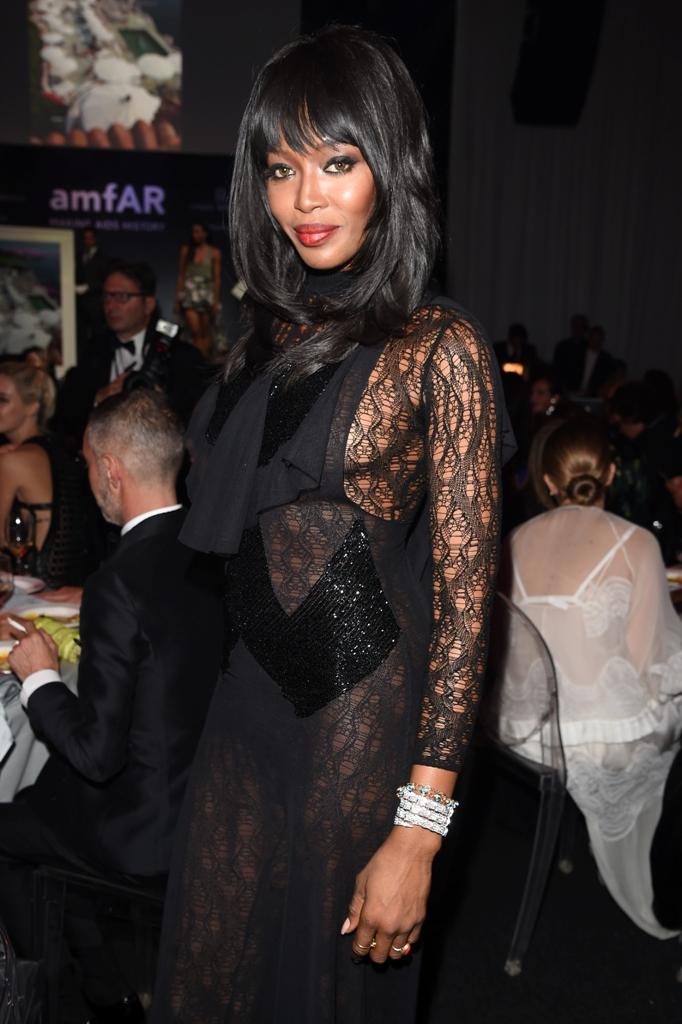 Naomi Campbell na gala Amfar em Milão