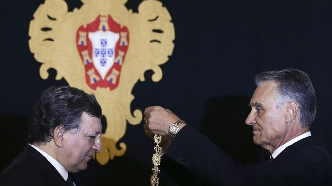 Cavaco Silva, Cartier Santos