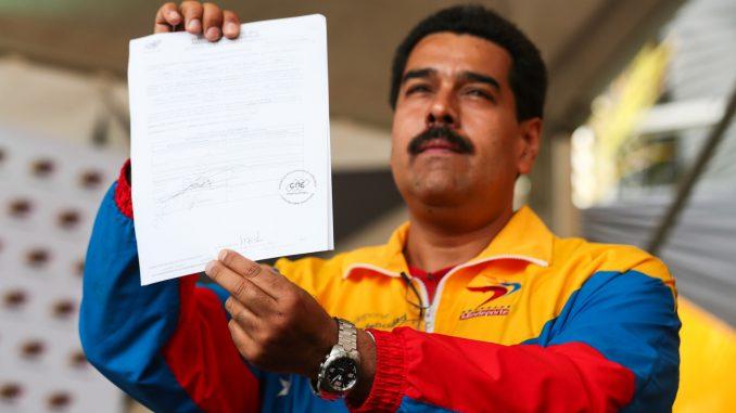 Nicolas Maduro, Tissot T-Touch Expert